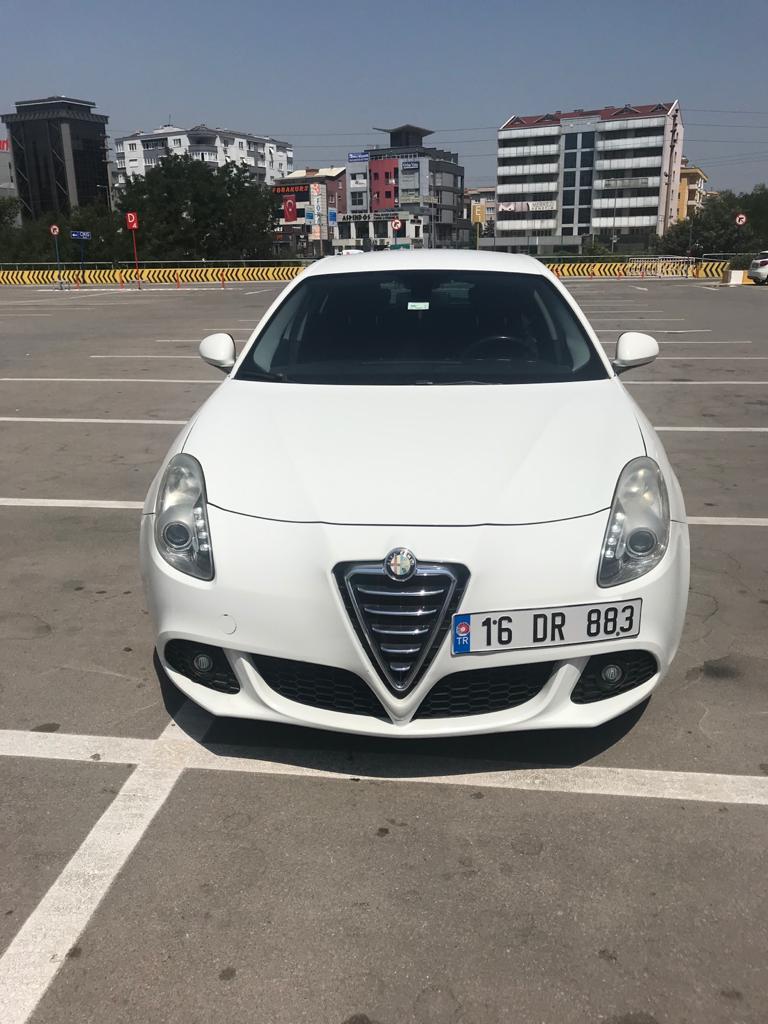 2012 Model Alfa Romeo Giulietta 1.6 Jtd Distinctive Dizel Manuel Hatchback / 5 Kapi 126.800 KM